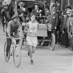 1905_Chicago_Marathon_Louis_Marks